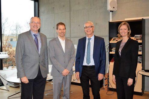 På billedet ses Rektor Anders Overgaard Bjarklev, centerleder Ulrik Lund Andersen, direktør Søren-Peter Olesen og institutdirektør Jane Hvolbæk Nielsen ved åbningen af BigQ.
