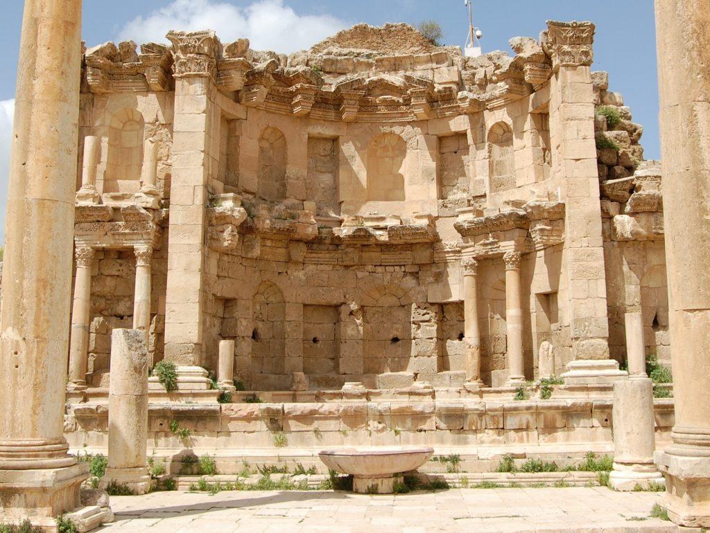(Billedet viser et Nympheum fra den antikke by Gerasa. Foto: UrbNet)